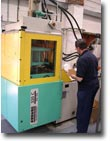 Vertical Injection Moulding Sm